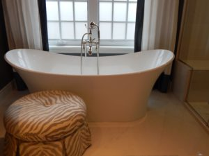 bathtub-902362